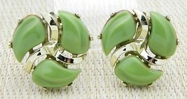 Green Thermoset Molded Infinity Swirl Gold Tone Clip Earrings Vintage - $29.70