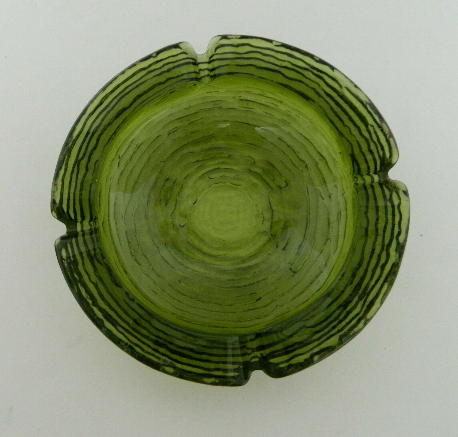 Soreno Anchor Hocking Medium Ashtray Four Rests Concentric Circles Avocado
