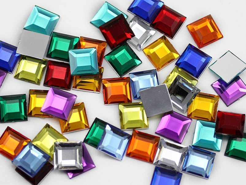 15mm Green Emerald H106 Flat Back Square Acrylic Gemstones - 30 PCS