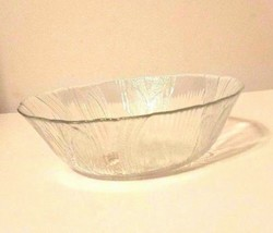 Arcoroc Clear Glass Salad Bowl With Raised Flower Design Brand New - $16.83