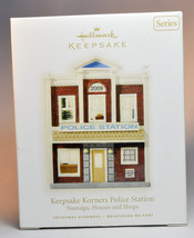 Hallmark: Keepsake Korners Police Station - Nostalgic Houses & Shops Ser... - $34.64