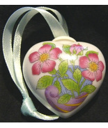 Hutschenreuther Porcelain Wild Rose Heart  Ornament Signed Vintage Collectible - $13.50
