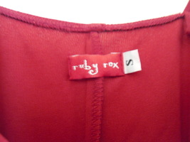 Red shiny dress label thumb200