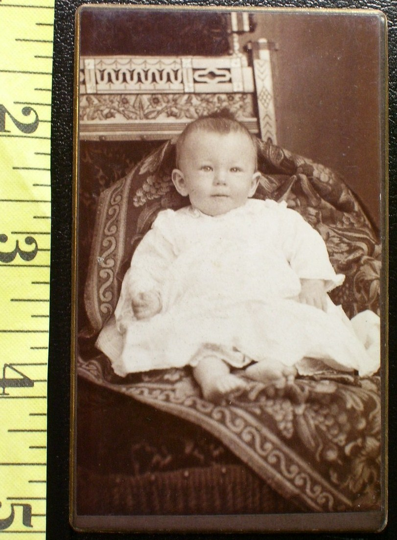 CDV Carte De Viste Photo Cute Baby Boy Dress! c.1859-80