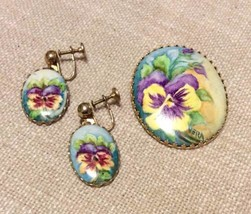 Vintage Hand Painted Pansy Brooch & Dangle Earrings - €37,50 EUR