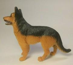 Schleich German Shepherd Dog, Male, Standing, 2001, Retired, Educational... - $14.80