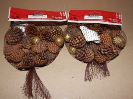 Pinecones Small Scented Bags 2ea With Gold Mix Stuff Ashland Christmas 140E - $7.49