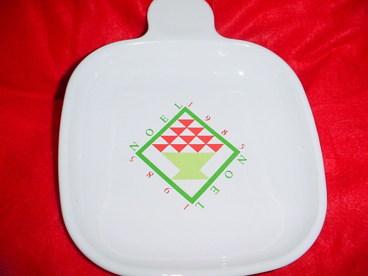 Primary image for CORNING WARE P-185-B RARE 1985 CHRISTMAS HEAT AND EAT TRAY FREE USA SHIPPING
