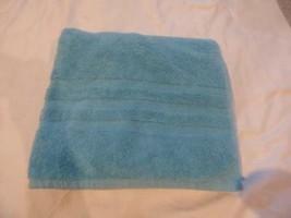 """$35.00 Lauren Ralph Lauren Palmer bath towel 30"""" x 58"""" , Turquoise - $8.17"""