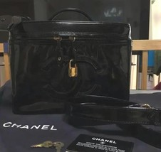 Auth CHANEL Vanity Vintage Black Enamel Logo Zipper Medium Pouch B2680 - $1,178.10