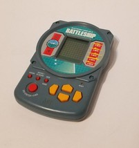 Battleship Electronic Handheld Pocket Travel Game 1995 Milton Bradley 4633