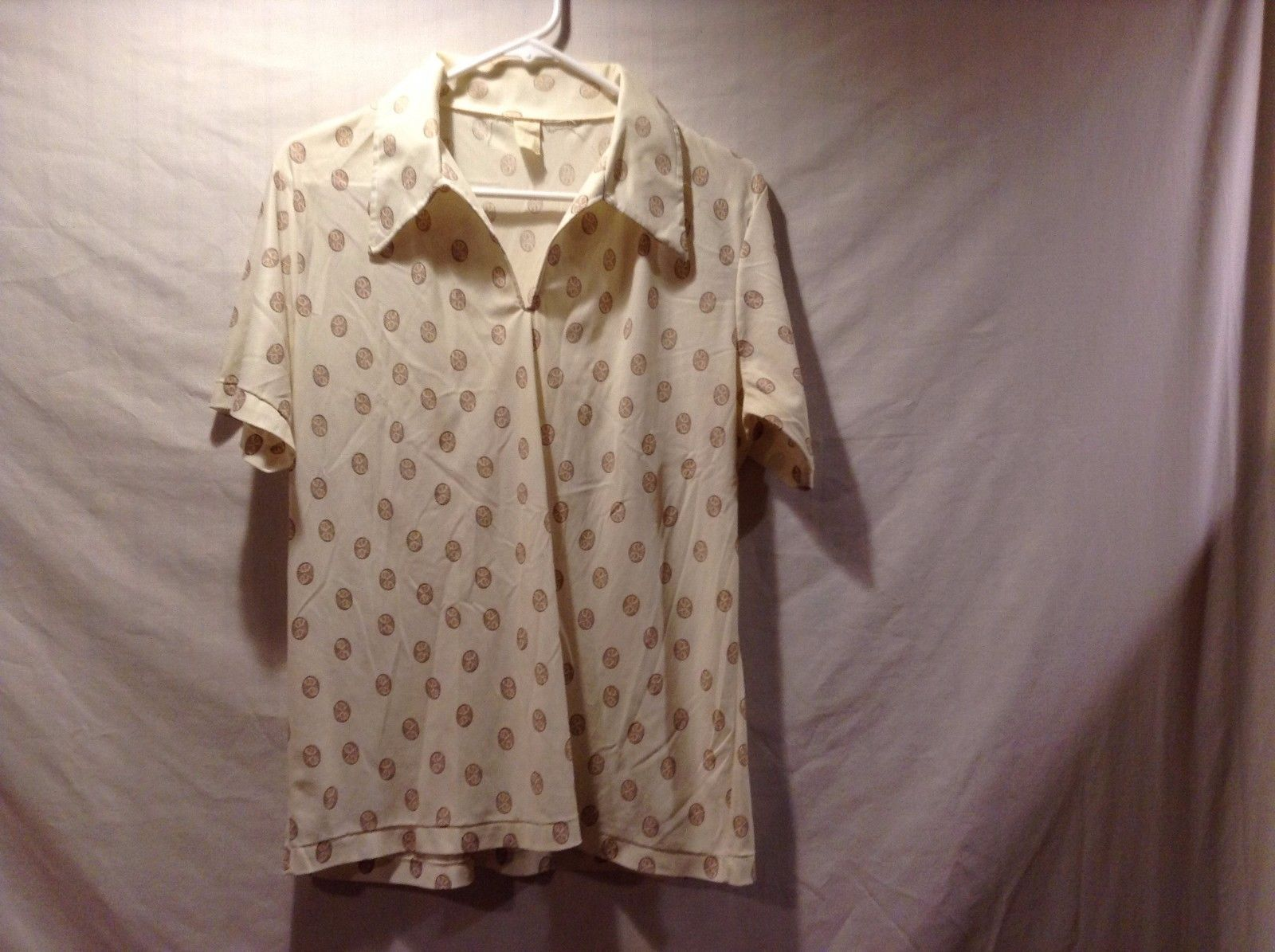 V Neck Light Weight Collared Short Sleeve Polka Dot Shirt Sz 40