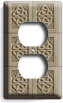 Celtic Trinity Knot Irish Tile Design Outlet Wall Plate Room Kitchen Room Decor - $8.99