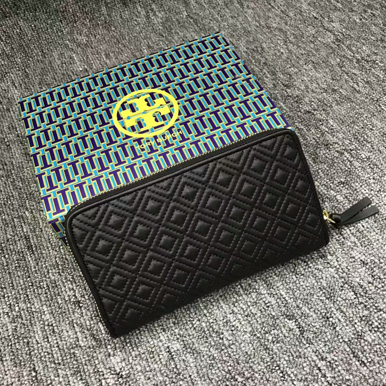 Black Tory Burch Fleming Zip Continental Wallet