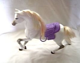 "2000 Mattel Brushable Beauties ""Willow"" White Barbie Horse With Saddle - $39.99"
