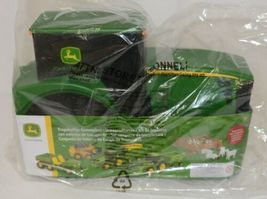 John Deere TBEK35747 Fun On The Go Tractor Case Includes 18 Pieces image 3
