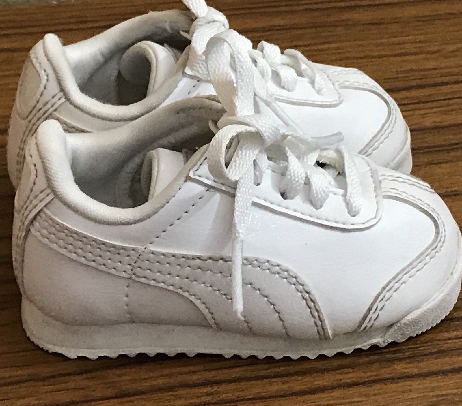 8e7667506f72 Puma Kinder Fit White Leather Toddler Sneakers Boy Girls Size 3
