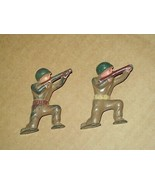 lead dime store pod foot toy soldiers Barclay? WW II era kneeling soldiers - $14.85