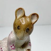 Beatrix Potter Figurine Hunca Munca Sweeping Mouse Beswick England F. Warne 1971 - $38.52