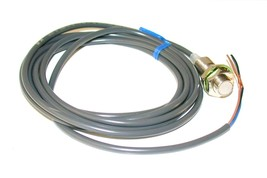 New Omron Inductive Proximity Switch 12-24 Vdc Model E2E-X2F1 - $59.99
