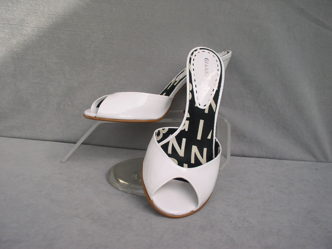 Shoes Gianni Bini Mules White Pumps Size 7.5M