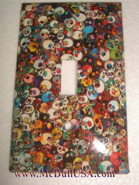 Skull background single toggle
