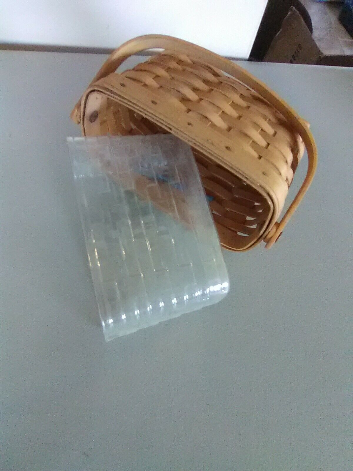 1996 Edition Longaberger Swing Handle Dresden Tour Basket w/ Plastic Liner image 7