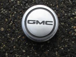 One factory 1950 1060 GMC pickup truck center cap hubcap horn button - $18.50