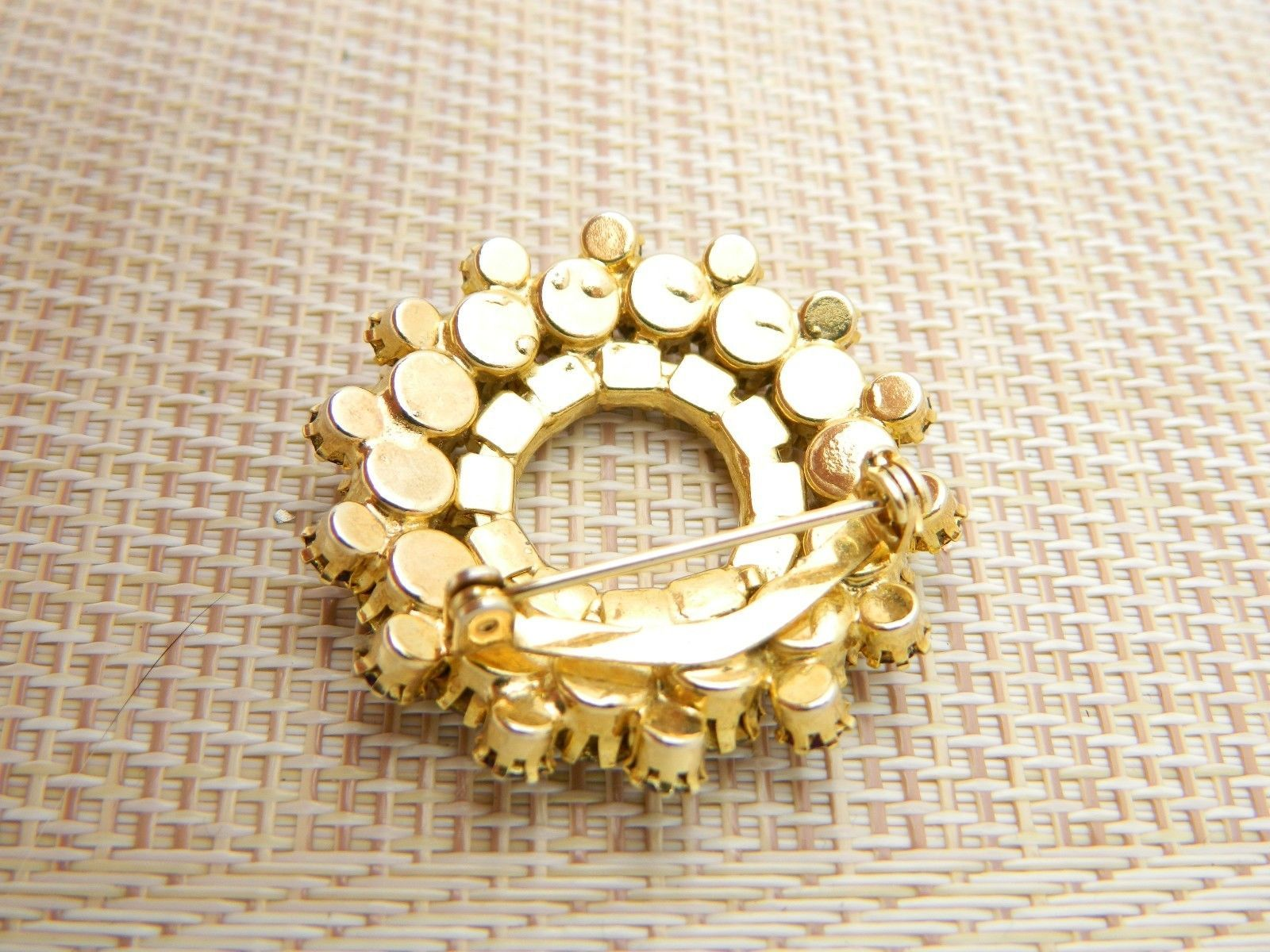 Gold Tone Purple Circle Wreath Gold Tone Pin Brooch Vintage