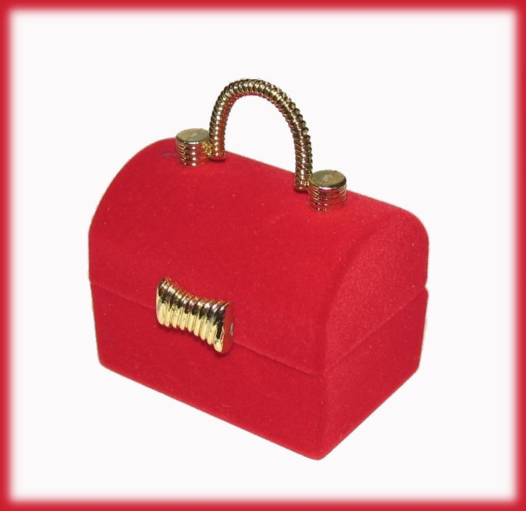 Ring box red treasure chest front