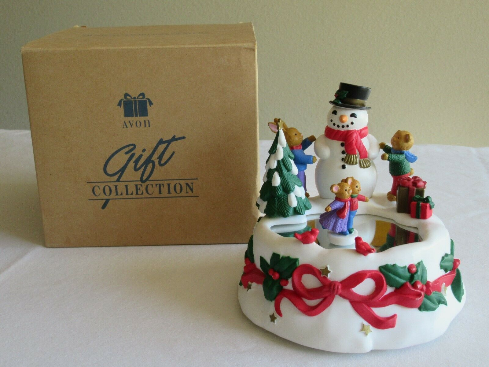 Avon Musical Twirling Skaters Animated Music Box 1996 Merry Little Christmas