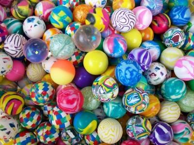 """100 Super Vending Balls 1"""" Bouncing Bouncy Party Favors"""