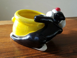 Sylvester And Tweety Bird Porcelain Planter Warner Bros. Looney Tunes - $7.87
