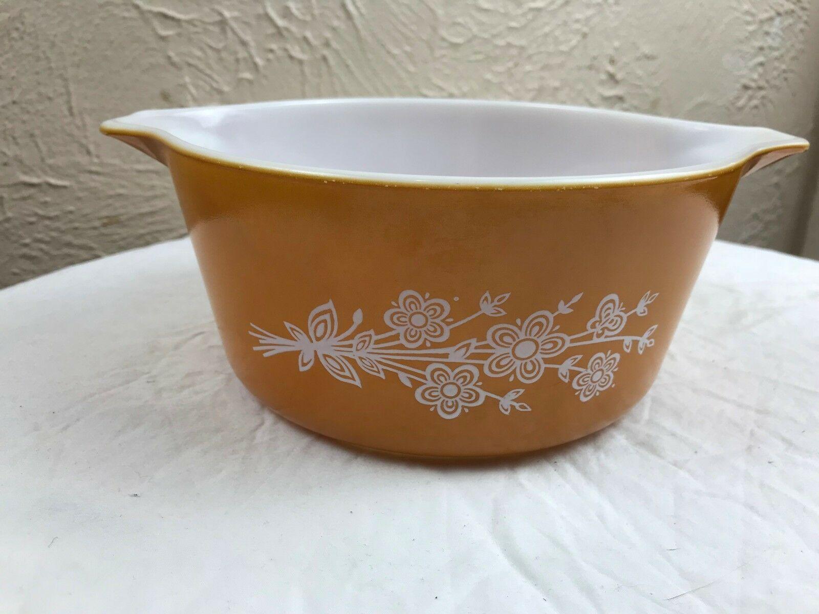 Vintage Pyrex Butterfly Gold Casserole Dish #474-B 1.5 Qt