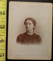 Cabinet Card Pretty Young Lady Vignette Style! c.1890`s - $4.00