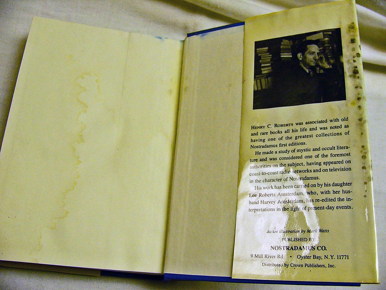 Complete Prophecies of Nostradamus 1982 Roberts Hb