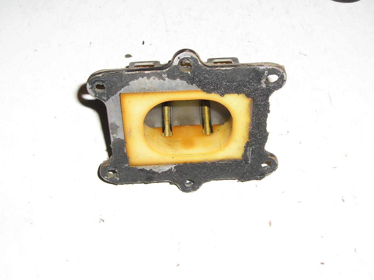 Honda CR250R '86 reed valve