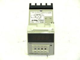 OMRON H5CN-XAN TIMER 12 TO 48VDC 3A 250VAC W/ P3G-08 SOCKET H5CNXAN