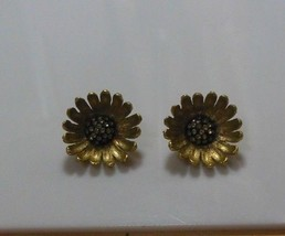 Vintage Signed Schrager Floral Rhinestone Clip-on Earrings - $22.75