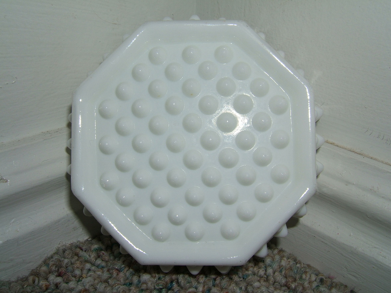 VINTAGE WHITE MILK HOBNAIL GLASS OCTAGON SHAPE ASHTRAY