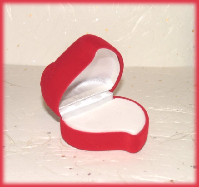 Red Rose Heart Theme Ring Box Faux Velvet, Elegant! Great Gi