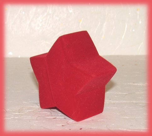 Ring box red star closed