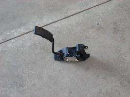 2004 MITUBISHI ENDEAVOR ACCELERATOR PART  image 1