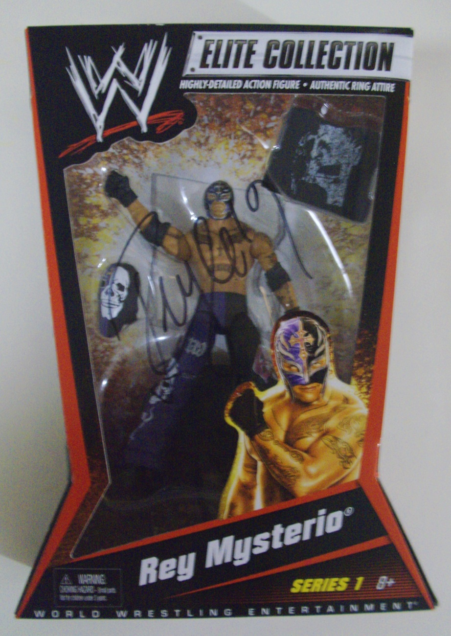WWE Elite Collection Rey Mysterio Series 1 with Autograph Auto ( WWF TNA ) - New