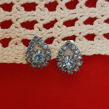 Signed Judy Lee Pear Shape 13 Aquamarine Light Blue Rhinestones Clip On ... - $60.78