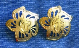 """Elegant Art Moderne Flower Gold-tone Pierced Earrings 1980s vintage 1 1/2"""" - $12.30"""