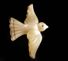 Unusual dove brooch -  moonglow lucite  - sacred dove - religious gift -... - $85.00