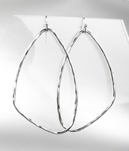 CHIC Lightweight Urban Artisanal Silver Organic Geometric Oval Dangle Ea... - $12.99