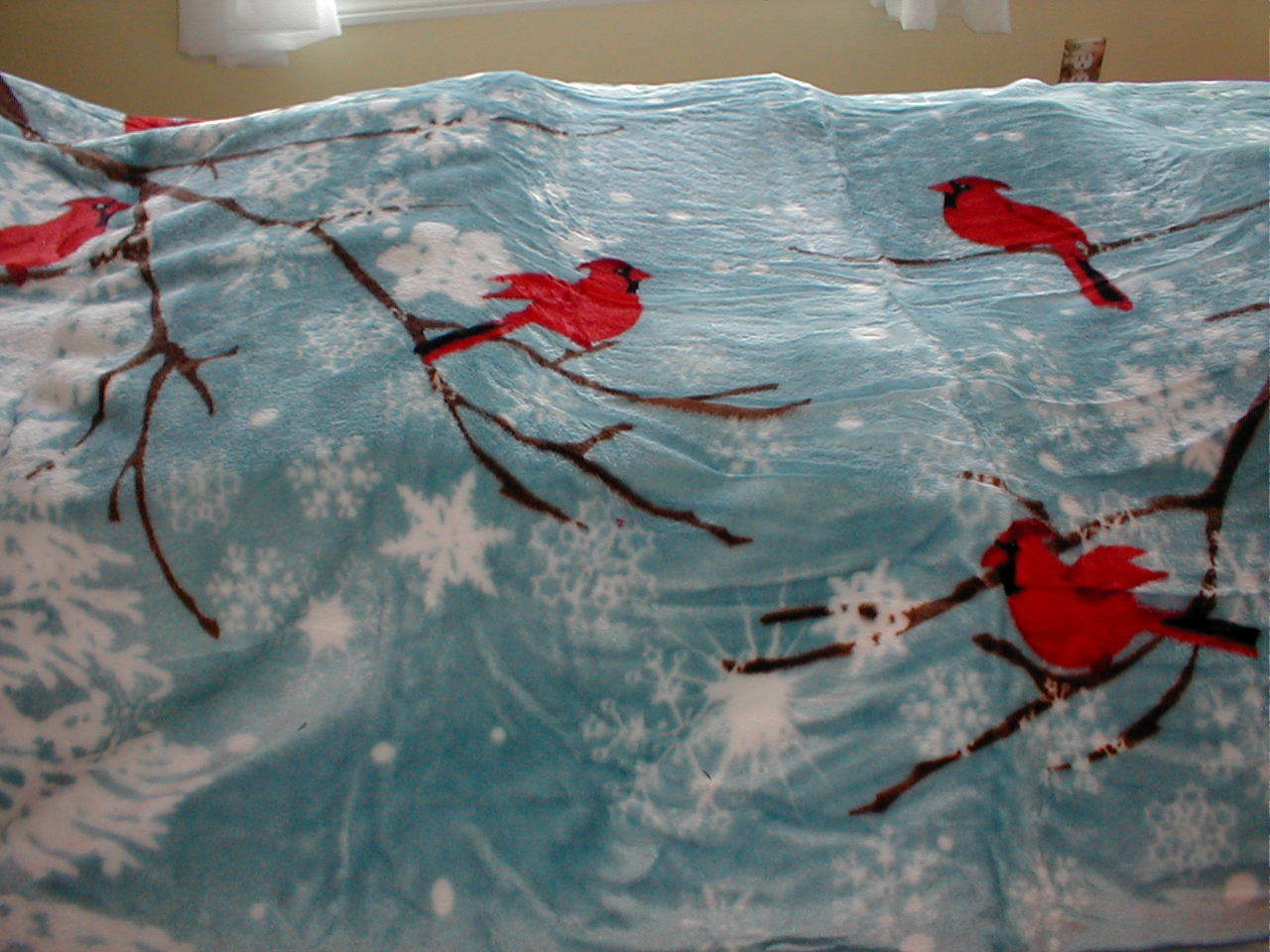 SHAVEL - CARDINAL and-SNOWFLAKES !  Hi Pile Oversized Fleece Throw!