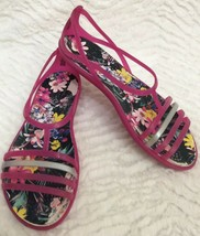 Women's Crocs Strappy Sandals Multi- Colored & Floral Sz 5 - $16.82
